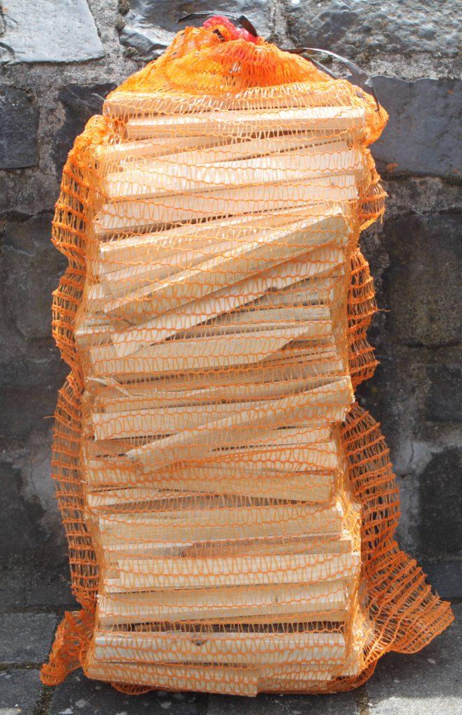 Anfeuerholz im 5 kg Sack Nadelholz 20cm lang
